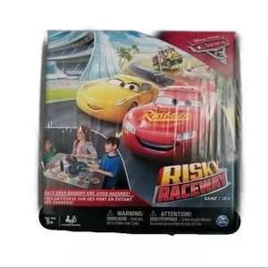 Cars 3 Risky Raceway Board Game Lightning McQueen